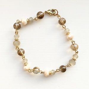 Dainty pale & neutral color beaded bracelet